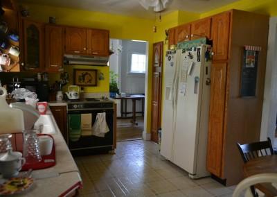 Kitchen at Open Arms Hostel Luray Va
